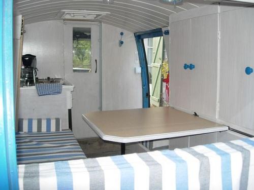 Restauration et am nagement en camping car d 39 une estaf for Interieur estafette